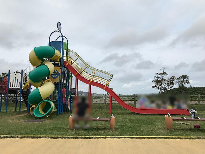 神里ふれあい公園のコンビネーション遊具