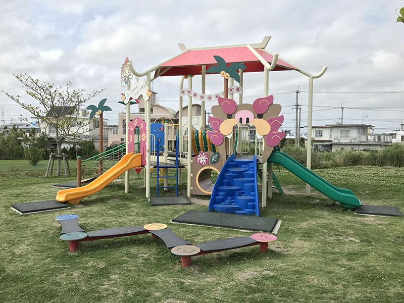 低年齢児童向けのコンビネーション遊具