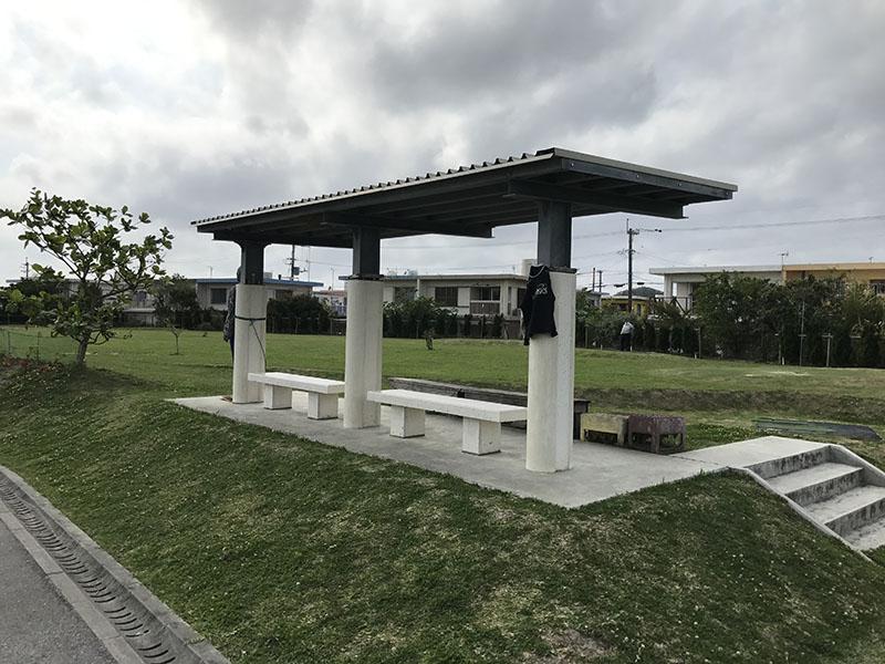パークゴルフ場側にある休憩スペース