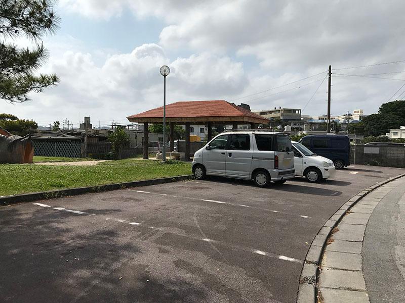 公園に隣接した無料駐車場