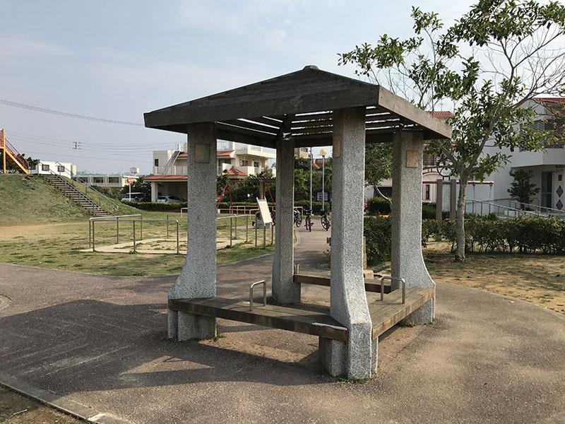 東浜きょうりゅう公園の東屋