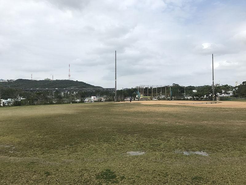 野球も楽しめる広大なグラウンド